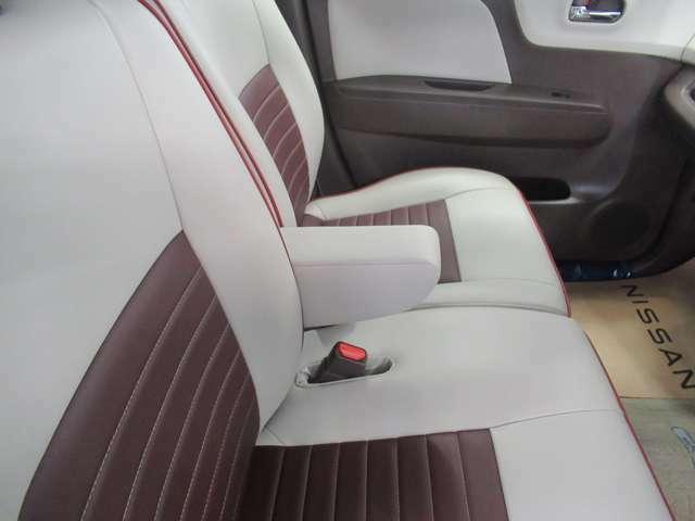 運転席シートアームレスト 長距離運転の疲れを軽減してくれます