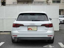 当店はアウディジャパン販売の取扱車両でしたら、どちらの店舗のお車でもお取り寄せ可能です。