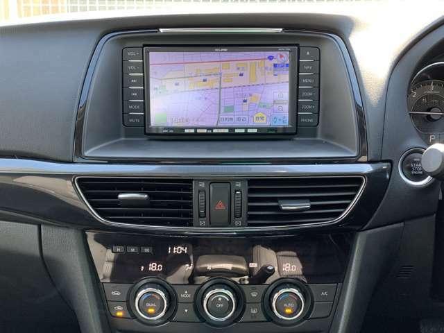オーディオ装備充実やで! ワンセグテレビ/走行中可能やCD再生を備えた社外のSDナビに加え、ETC車載器もついてます! ドライブレコーダーの取り付けもやってます! 前後カメラタイプなので安心ですね!