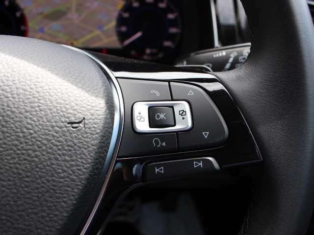 ブラインドスポットディテクションは車線変更時などにドライバーの死角となる後方側面に車両を検知した際、ドライバーが方向指示器を操作すると、ドアミラーに内蔵された警告灯が点滅しドライバーに注意を促します
