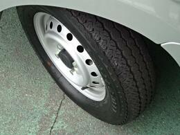 タイヤ溝・ホイール共に綺麗な状態でたくさんお乗りいただけます^^