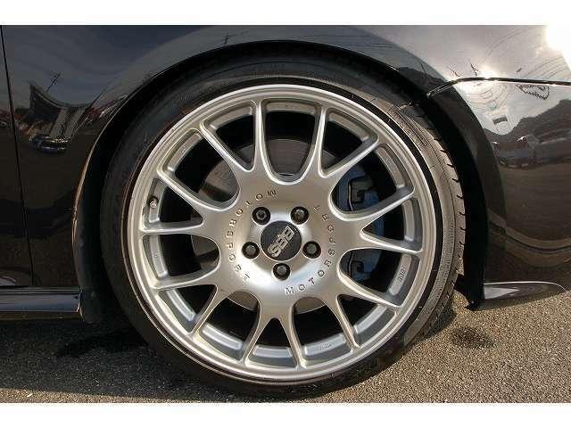 【カーケア強化】ご納車の前にプロによって隅々までお車の内装のクルーニング・外装の磨きを行っております。