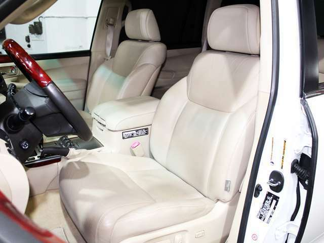 コンフィデントで車両をご購入のお客様は初回のオイル交換が無料!