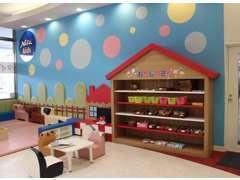 お子様にはキッズコーナーとお菓子コーナーでおもてなし♪是非ご家族でお越しくださいませ。お待ちしています!