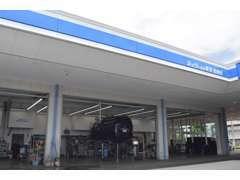 当店はサービス工場併設ですので、ちょっとしたお車の不調などもお気軽にお問い合わせ下さい。車検・整備もどうぞ!