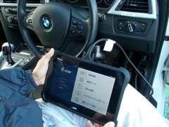 納車時にはコンピューター診断機(G-scan3)にて車両のチェックをしております。 お客様の快適ドライブをお約束します!