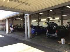 車検、点検、整備ももちろんお任せ下さい! サービス工場を完備しておりますのでいつでもご入庫可能です!