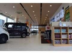 この度はホンダカーズ東海 名和店のページをご覧頂きありがとうございます。 当店では新車・中古車の両方を扱っております。