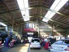 当店ではアフターサービスに力を入れています。欧州車・米車の各メーカーテスター完備!