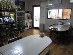 ゆったりとした商談スペースをご用意しております! HPアドレス http://www.autoproduce.org も是非ご覧下さい。