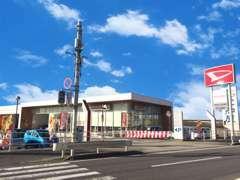 岡崎市内で初めての愛知ダイハツU-CAR直営店です!常時100台展示で、お値打ち車から高年式まで豊富に取り揃えています。