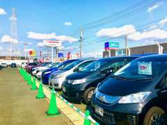 店頭に無いお車や、他展示場のお車のお問い合わせも是非当店まで!!お客様のカーライフを全力でサポートさせて頂きます!!