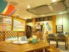商談スペースは明るくアットホームな雰囲気を意識しております。