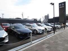 コンパクトカーからSUVまで高品質なマツダの中古車を多数取り揃えております!状態良好な試乗車アップのお車もございます!