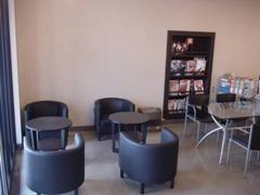 商談スペースです!ゆっくりご検討いただければと思います!ご来店の際はおいしいコーヒーをご用意してお待ちしております。