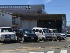 浜松アリーナ東側、お店の位置が分かり難い場合はお気軽にお電話下さい。写真は東側からです。