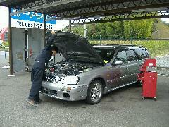 入庫した車は、1台1台入念にチェックしテストに合格したものだけ店頭販売しております。