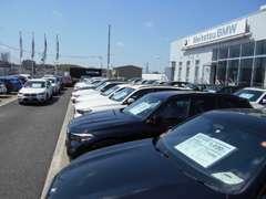 名鉄BMWプレミアムセレクション長久手では常時300台展示