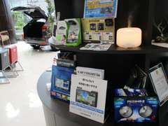 ナビ・ドラレコ・LEDランプ等、お車周りの用品も取り扱っております! お気軽にご相談下さい。