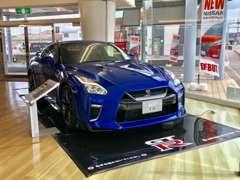 店内にはお車を展示しております。
