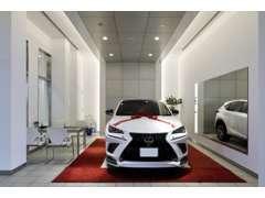 レクサス車を知り尽くしたスタッフがご購入をサポート致します。レクサスのことでしたらなんでもお任せください。