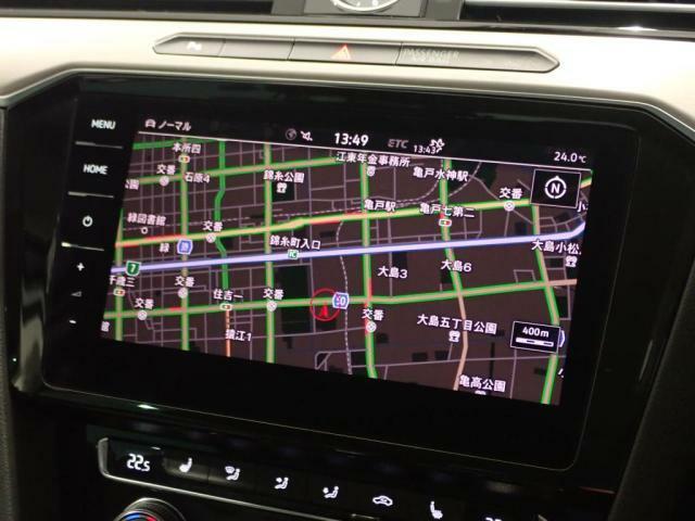 9.2インチ大画面のナビは全面タッチスクリーンによりまるでスマートフォンのようにまるで画面上を軽くタッチするだけで操作出来ます。