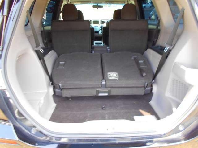 リアシートを倒せば、大きな荷物も積むことも出来ます!