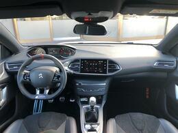 こちらのお車の新車価格は【4,512,000円】になります。左ハンドルのMT設定のみになります。
