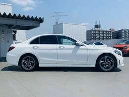 認定中古車保証は全国の正規ディーラーで受けることが出来ます。