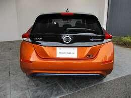 CO2排出量ゼロ⇒日産リーフは電気自動車。走行中はCO2を一切出しません。