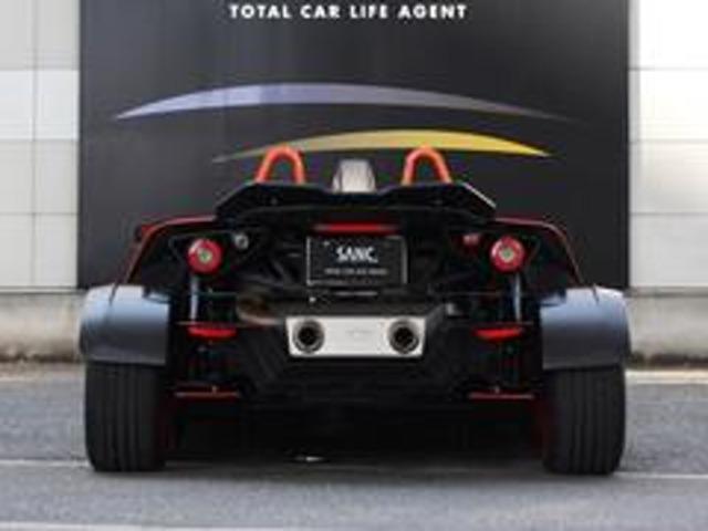 「クロスボウ」の全長は3740mmと少々。2430mmのホイールベースは、軽自動車に近い値です。