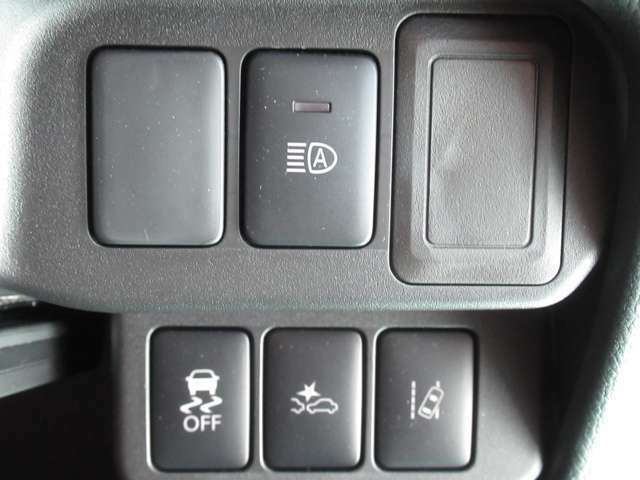 衝突被害軽減ブレーキ搭載(^o^)丿踏み間違い防止アシスト付き♪