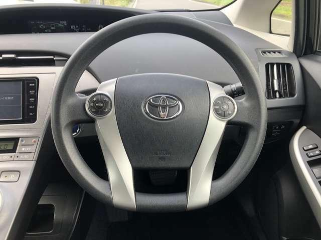 ステアリングオーディオスイッチが搭載されているので、運転中の操作も楽々です。