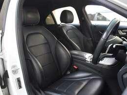 高級感のあるブラックレザーシートです。シートヒーター、メモリー付パワーシートを装備しております。