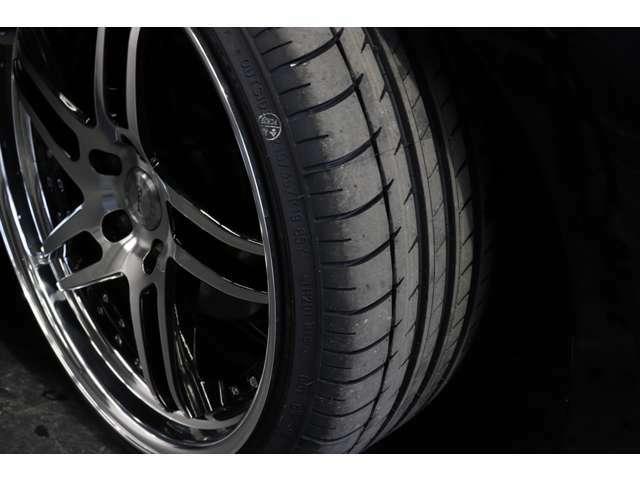 ★新品タイヤも装備済み☆購入後、すぐにタイヤ交換などで痛い出費が来る心配もありません!