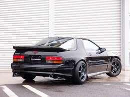 人気のFCモデル カスタム車両の入庫!世界的にも有名なRE雨宮コンピューターで現車セッティングし、TEIN車高調、ENKEI16AW、Rマジックエアロ等多数の有名メーカー様パーツを装備した一台