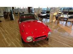 トヨタスポーツ800が期間限定にて展示しております。お気軽にご来店下さい。