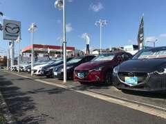 豊富な品揃えと広い中古車展示場をご用意しております!!
