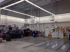 整備工場を隣接しておりますので、大切なお車の急なトラブルでも迅速にご対応させていただきますのでご安心ください。
