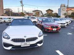高品質のBMW認定中古車を多数展示。