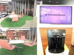 当店には珍しい屋外の商談スペースもございます!自慢のコーヒーを飲みながら、色々なお話をお聞かせください☆