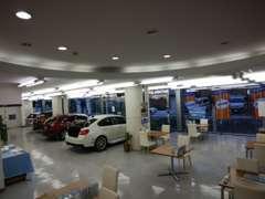 ショールームには常時特選車を展示しております!