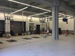 自社整備工場あり。土・日もオープンしております。