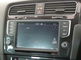 """純正オプションである""""Discover Pro""""ナビゲーションシステムは車両を総合的に管理するインフォテイメントシステムです。"""