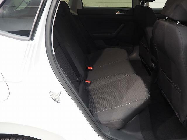 リヤシートもしっかり座れます。