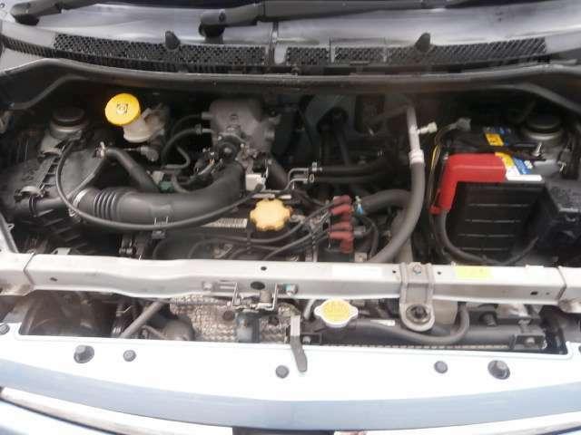 綺麗なエンジンルームです。。機関良好R2F車検(2年)付乗出し価格からのご提供です。。まずは実車確認から。。お気軽にお問い合わせください。