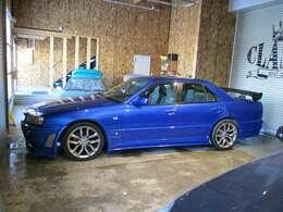 販売はもちろん自社工場完備なのでご購入後の車検や板金・塗装まで全てお任せください。