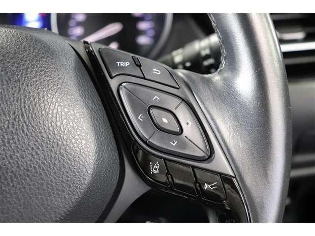 万一の衝突事故回避支援や被害軽減に役立つトヨタセーフティセンスP搭載しています。