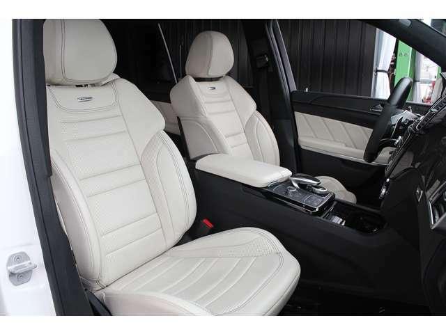 ■ホワイトベージュレザーシートがとても綺麗でオシャレです!■シートヒーター・ベンチレーターも装備されております!■