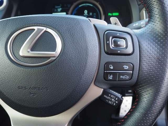 車間距離を保ちながら追従走行するレーダークルーズコントロール(ブレーキ制御付)